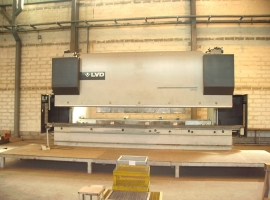 Press brakes LVD 320 TON X 6100 MM CNC (USED)